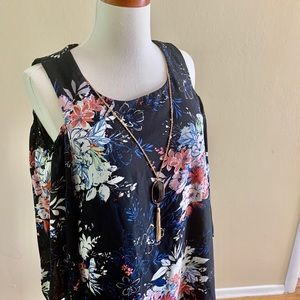 Lily Rose short floral dress with necklace